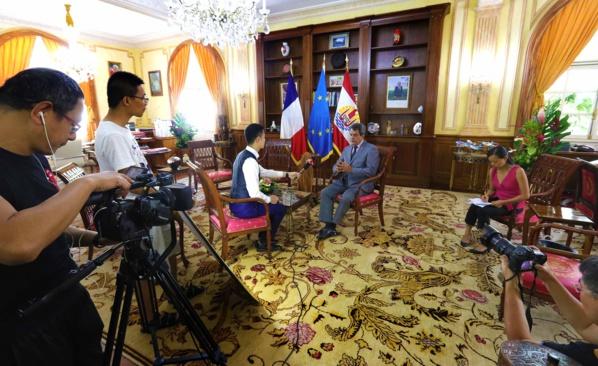 Une équipe de Beijing TV © presidence.pf