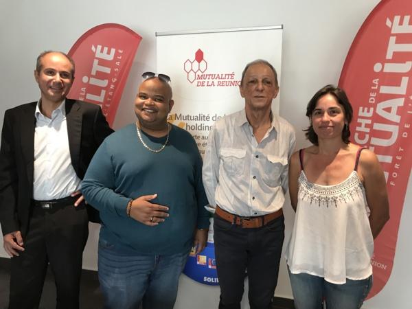 de gauche à droite : Bobby et Maroni parrains de l'évènement, Théodore Hoarau, Président de La Mutualité de La Réunion et Diane Baillieux, Directrice de la Promotion de la santé)