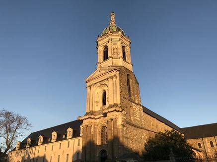 Photo : L'abbatiale Notre-Dame-en-Saint-Melaine à Rennes