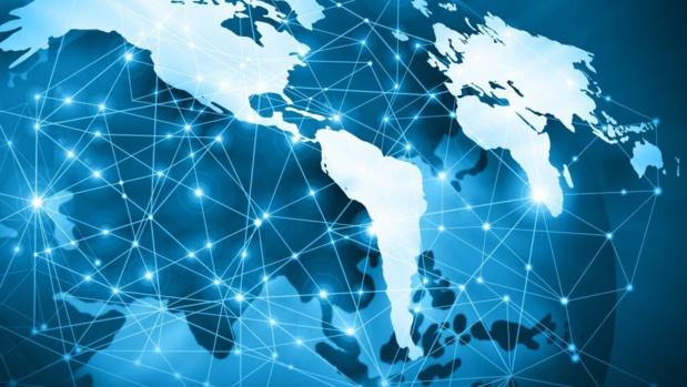 Plus des trois-quarts de la population surfe sur internet au moins une fois par mois aux Antilles-Guyane et à la Réunion