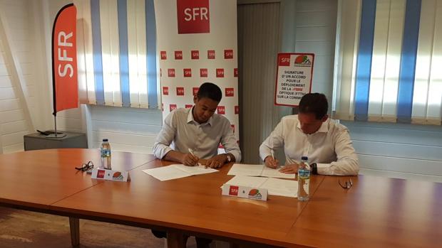 Martinique: Accord sur le déploiement de la Fibre Optique (FTTH)  entre la mairie du Saint Esprit et SFR Caraïbe