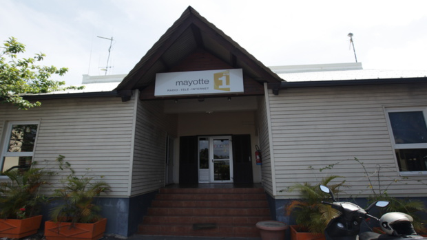 Mayotte La 1ère Radio rend hommage à la station de Pamandzi à l'occasion de son installation dans ses nouveaux locaux.
