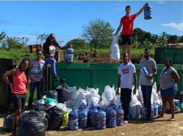 Guadeloupe: L'opération Bouchons Collect' organisée par SFR, Cleanmyisland et les bouchons d'amour a collecté plus de 500 kilos de bouchons en plastique