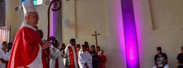La célébration de l'office du vendredi Saint et la messe de Pâques en direct sur Réunion La 1ère