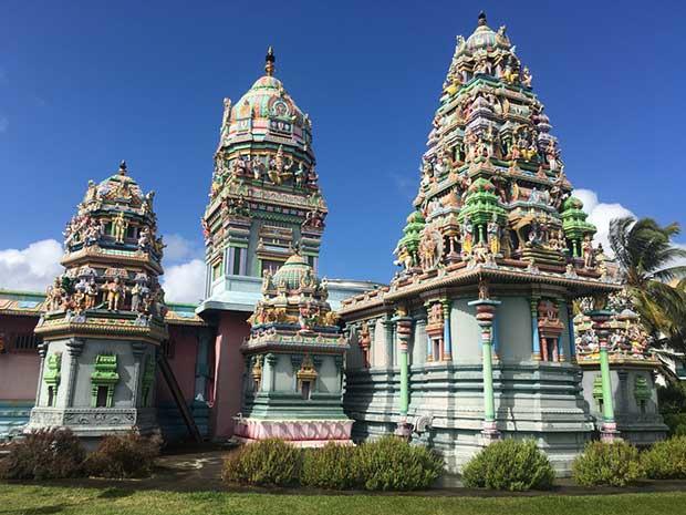 """Le temple Tamoul Narassingua Péroumal (La Réunion) en compétition dans """"Le Monument préféré des Français"""" le 18 septembre sur France 3"""