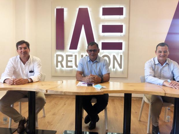 Conférence de presse : de gauche à droite, Amaury de Lavigne, Pascal Picard, Pascal Chavignat