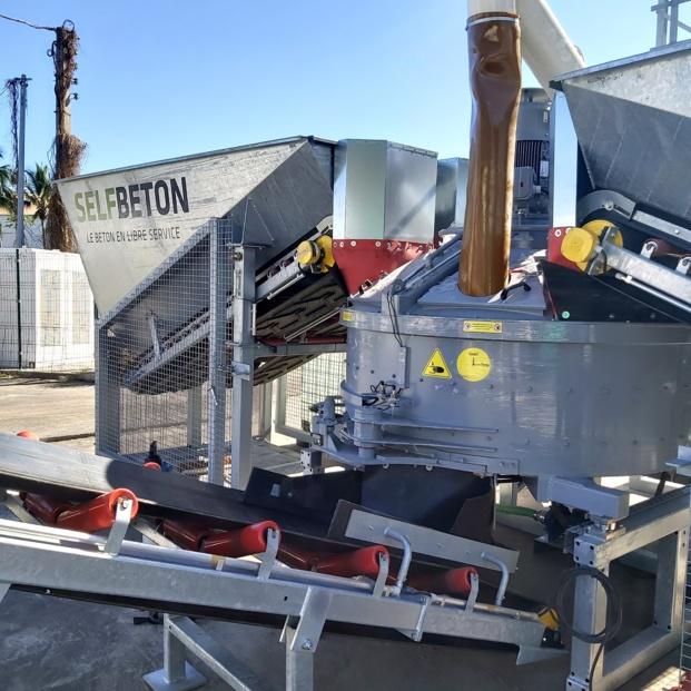 Innovation: Un distributeur de béton et de mortier en libre-service chez Ravate Pro sur le site du Port