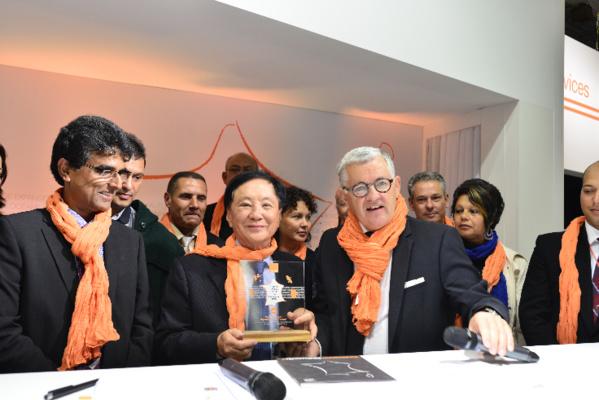 La ville du Tampon reçoit le trophée 2014 Orange de l'innovation DOM
