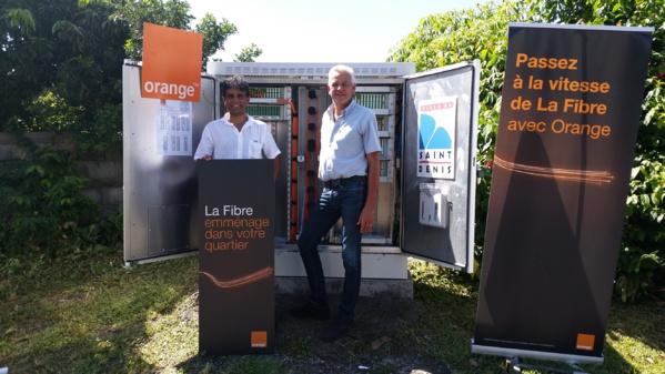 Orange Réunion déploie son réseau de fibre optique dans le quartier du Moufia (Sainte-Clotilde)