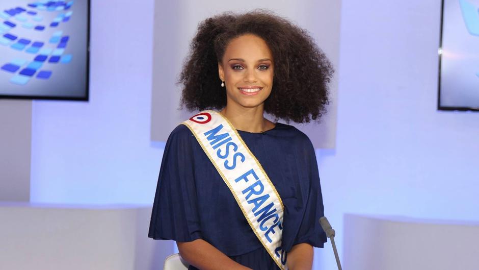 Alicia Aylies, Miss France 2017 © Christophe Parfait