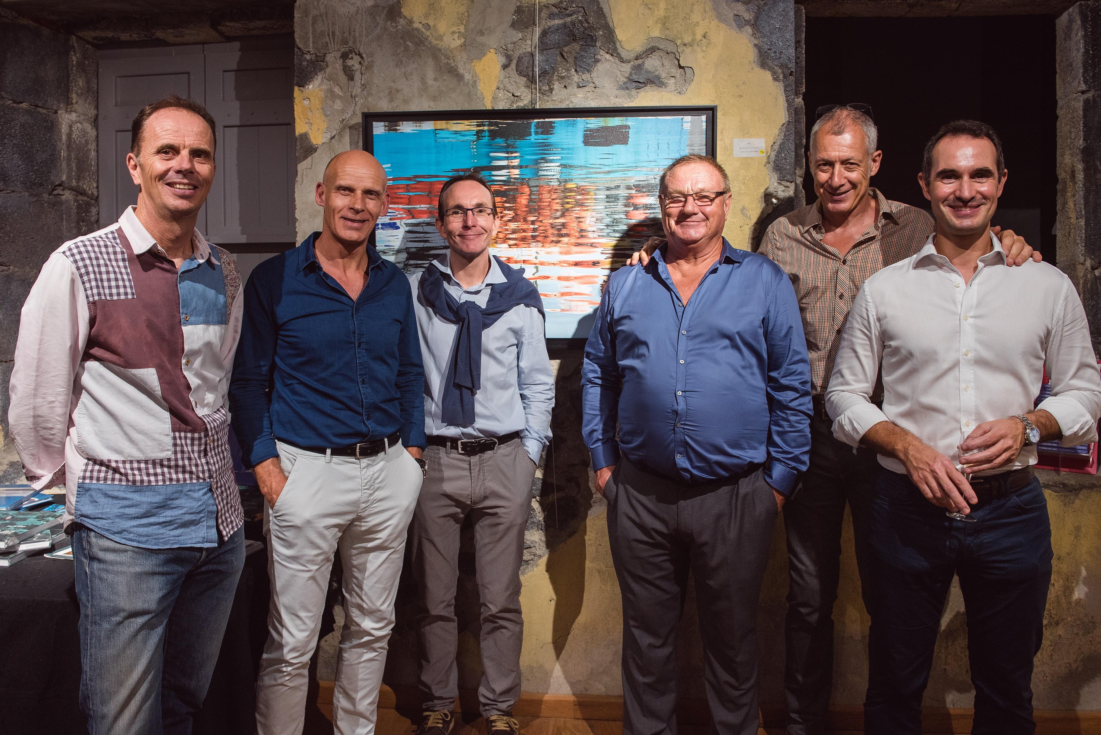 L'équipe Réunimer de gauche vers la droite : Philippe Guérin, François Xavier Crosnier Mangeat,  Hubert Chénédé, Jean-Marc Berquer et Sébastien Camus.  Derrière à droite : le photographe et éditeur, Jean-Luc Allègre