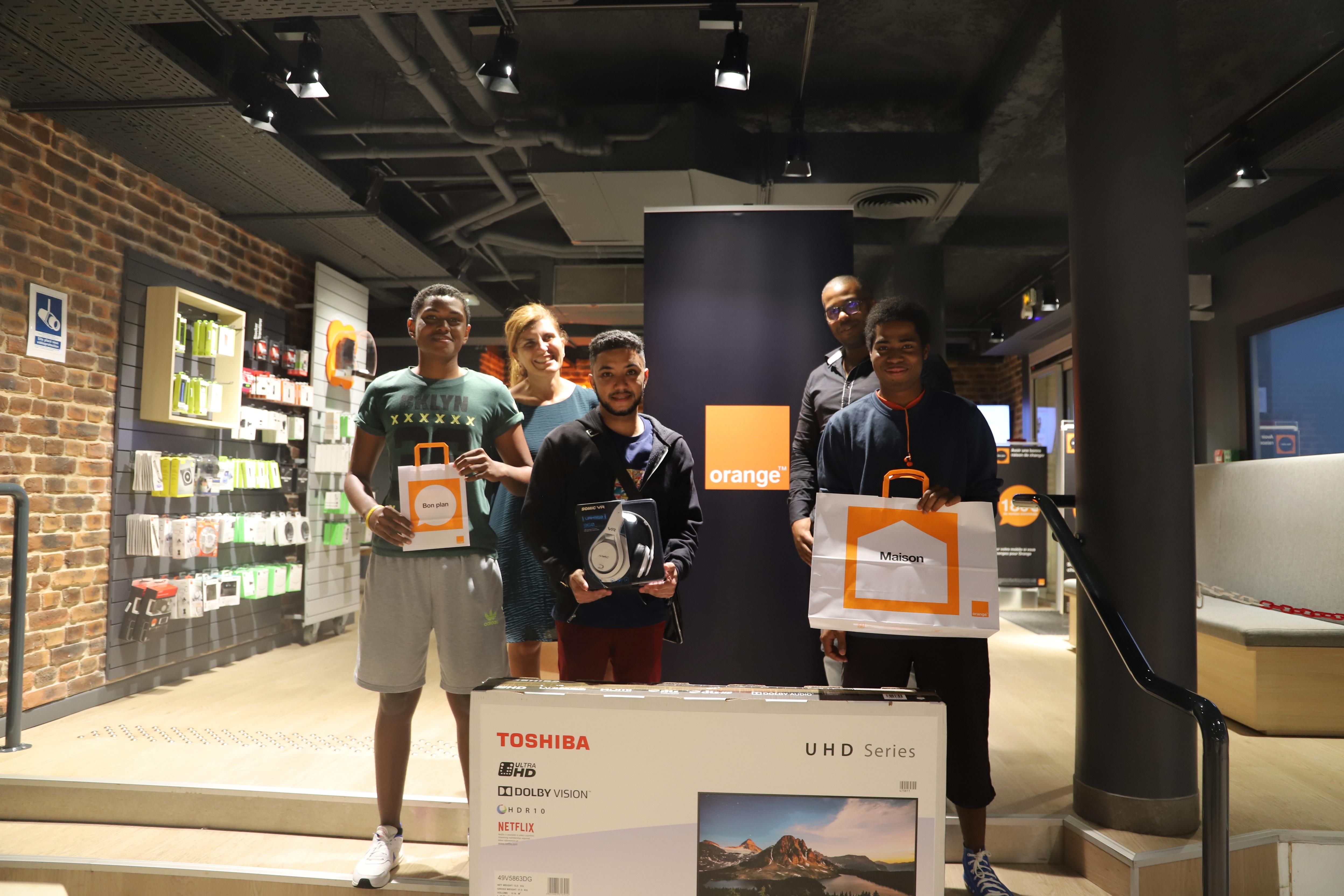 Orange accompagne les talents de l'Esport à La Réunion et récompense les 3 gagnants de son jeu concours au salon GeekAli
