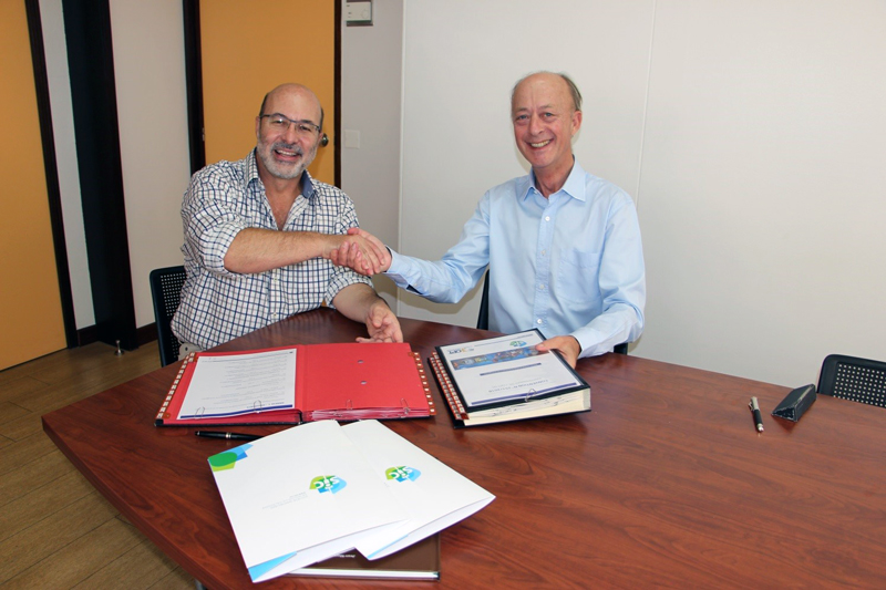 Signature de la convention © OPT