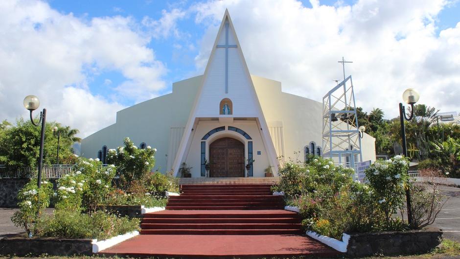 Dans les pas de Monseigneur Gilbert Aubry, ce lundi dés 19h40 sur Réunion La 1ère