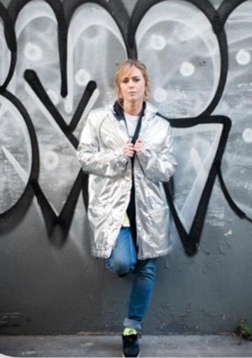 """Énora Malagré au commande de """"My Street Fashion Week"""" le 15 mars sur ELLE Girl TV"""