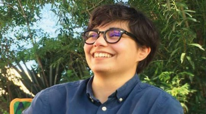 """Manon Amacouty, jeune réalisatrice Sainte-Pauloise au programme de """"Un jour avec"""" ce vendredi sur Réunion La 1ère"""