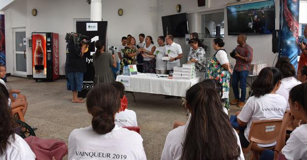Les lauréats du Tata'u Upo'o réunis ce matin à Polynésie la 1ère