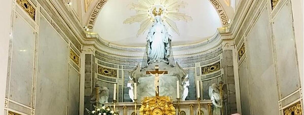 """""""Prier à Paris"""", l'émission spéciale de Dieu m'est témoin le 15 décembre sur les chaînes La 1ère"""