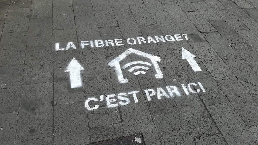 Orange Réunion: Une campagne de publicité qui fait tâche