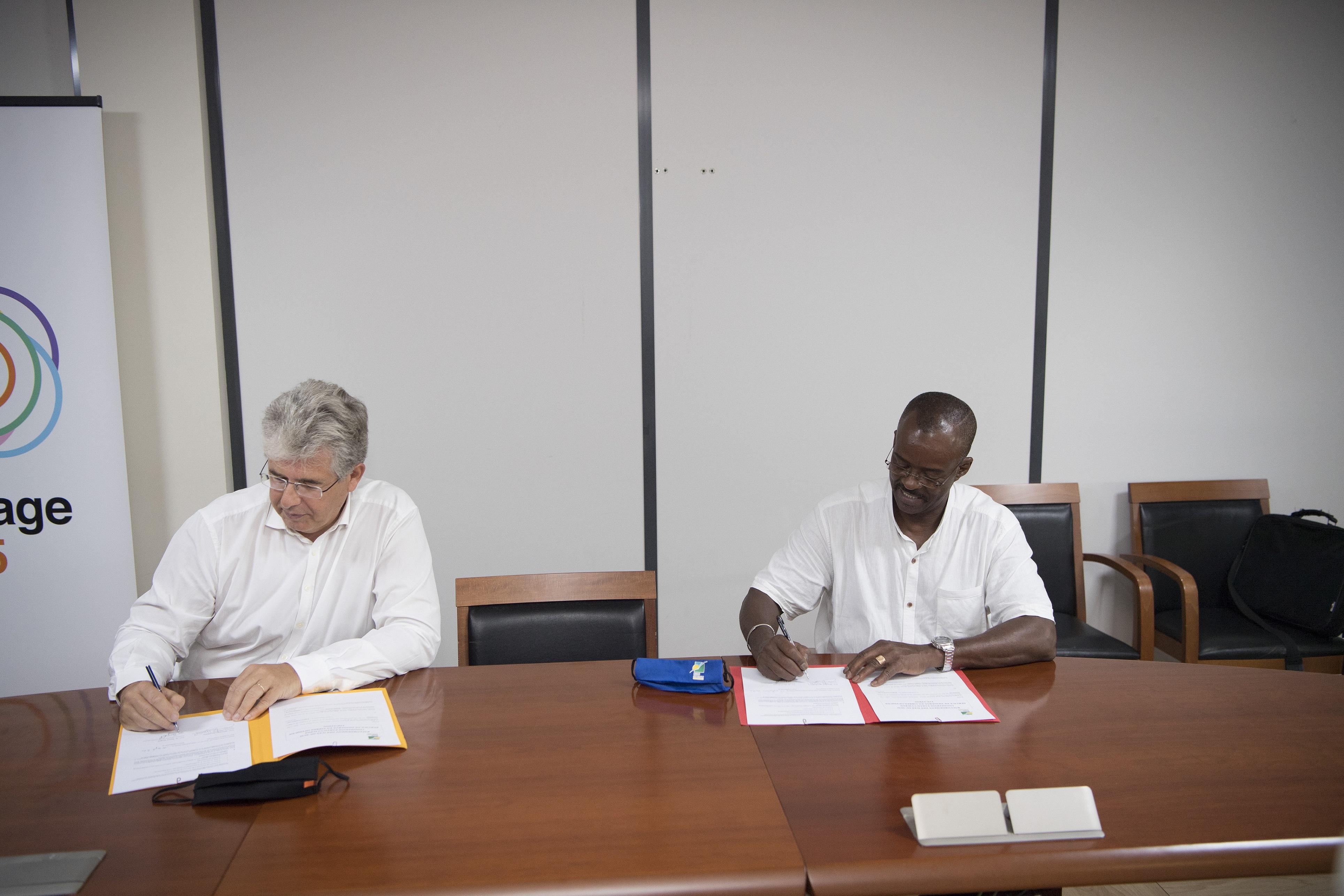 Orange signe avec la Région un contrat pour la location de capacités sur le câble sous-marin de liaison Très Haut Débit raccordant les îles du Sud à la Guadeloupe