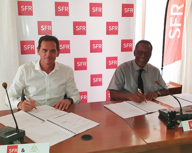 Martinique: La mairie de Trinité et SFR Caraïbe signent un accord sur le déploiement de la Fibre Optique (FTTH)