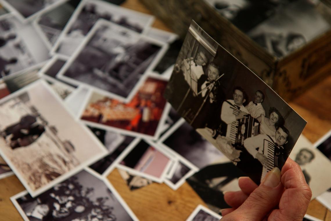L'histoire familiale ultramarine au coeur de VOS PHOTOS, NOTRE HISTOIRE, la série documentaire du Portail Outre-Mer La 1ère