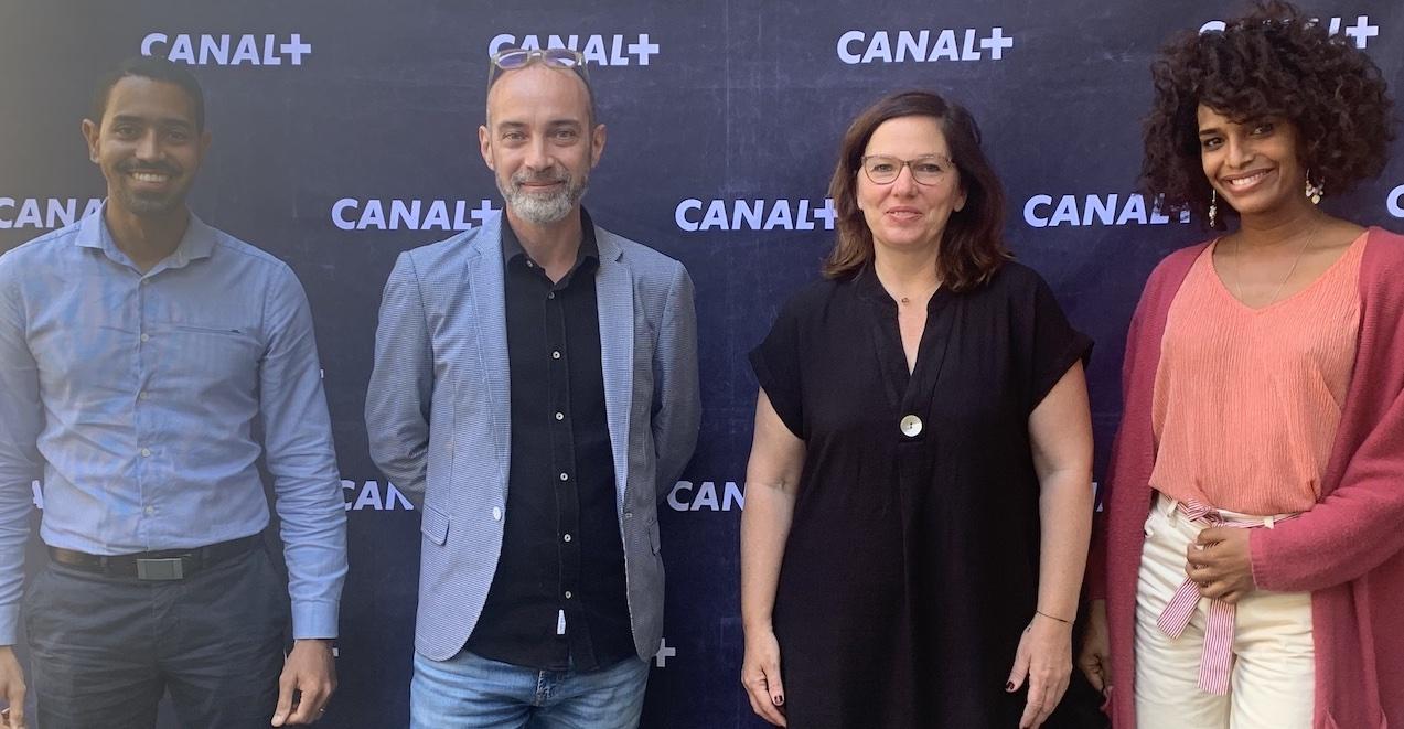 Sur la photo: Kevin Cerveaux (Région Réunion), Stéphane Negrin (D.A.C Réunion), Samantha Nahama (Canal+ Réunion), Louis (Artiste) © MEGAZAP