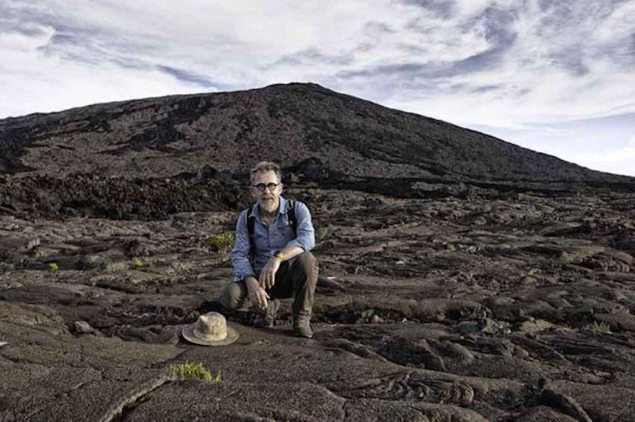 """""""Quand nos volcans se déchaînent"""": Jamy Gourmaud en mission à l'île de La Réunion le 6 octobre sur France 3"""