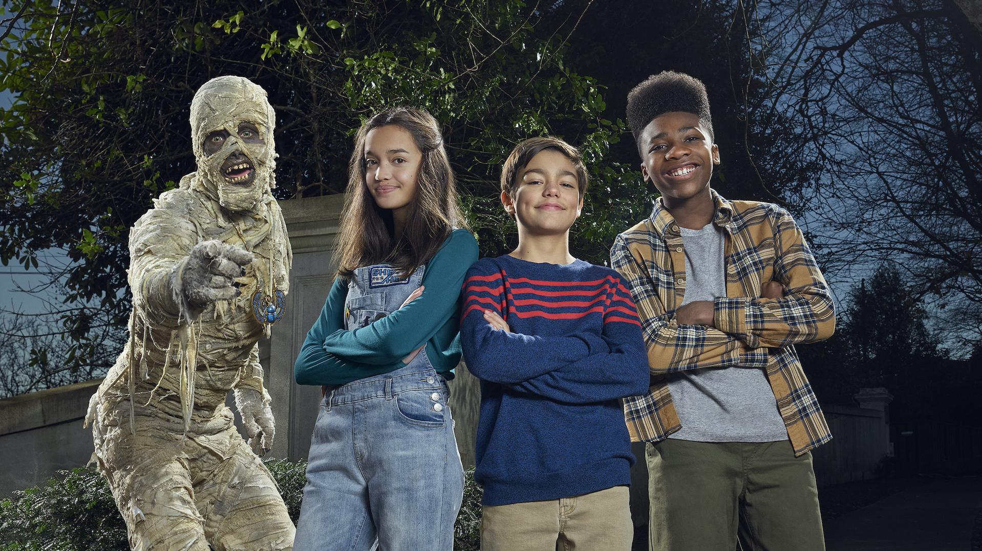 """Une nouvelle adaptation plus comique et contemporaine du tout premier Disney Channel Original Movie """"Le Secret de la Momie"""", le 29 octobre sur Disney Channel"""