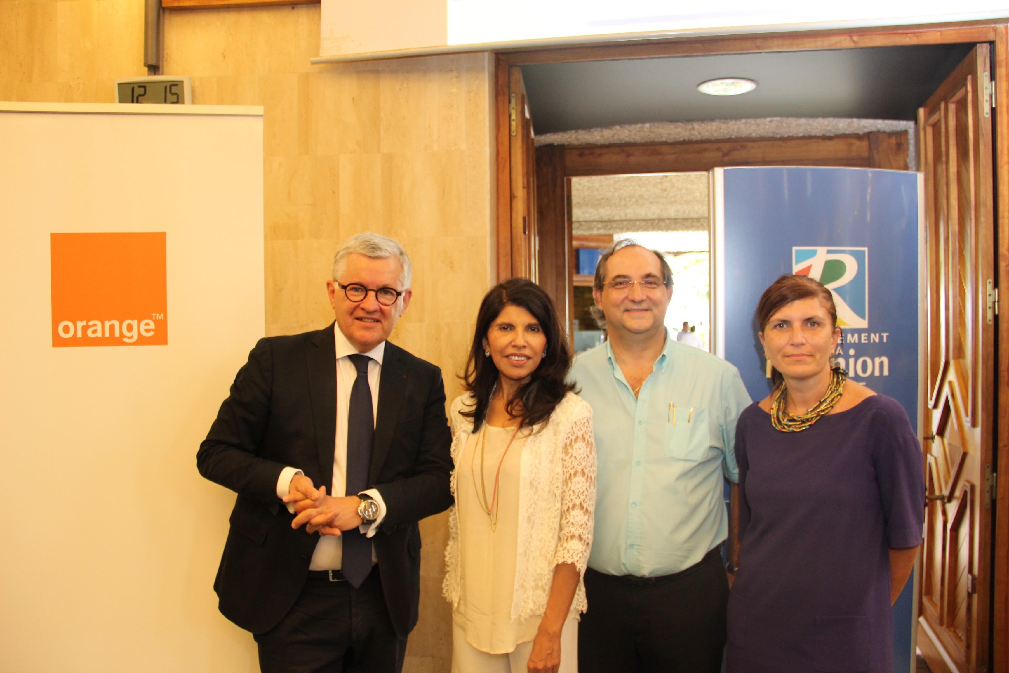 Photo : Orange Réunion – Bruno Janet – Nassimah Dindar , Stéphane Fouassin – Mireille Helou
