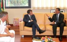 Guyane: Emmanuel Macron, le Ministre de l'Economie de l'Industrie et du numérique reçu par Rodolphe Alexandre